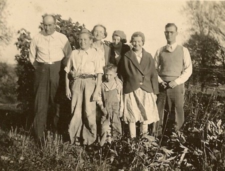 The Edd Winegar Family, from left to right: Edd, Bill, Myrtie, Paul, Nina, Esther, and Donald.