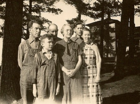 From left to right, Uncle Henry, Paul, Edd, Myrtie, Bill, and Esther Winegar.