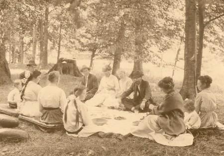 A Winegar-Stephenson picnic, ca 1915