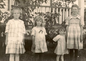 Left to right, Mary, Betty, Eleanor, and Dora, ca 1918