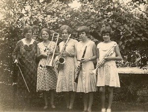 "A ""band"" of sisters: Dora, Mary, Betty, Eleanor, and Jean"